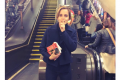 Emma Watson e i libri in metropolitana